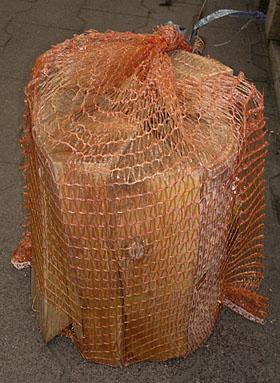 дрова упакованные в сетку